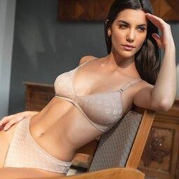 Basic daily comfort, all made of light lycra fabric, soft and pleasant to wear on a daily basis. #BrazilianLingerie #BestLingerie #BrazilianStore #dulorenusa ✨